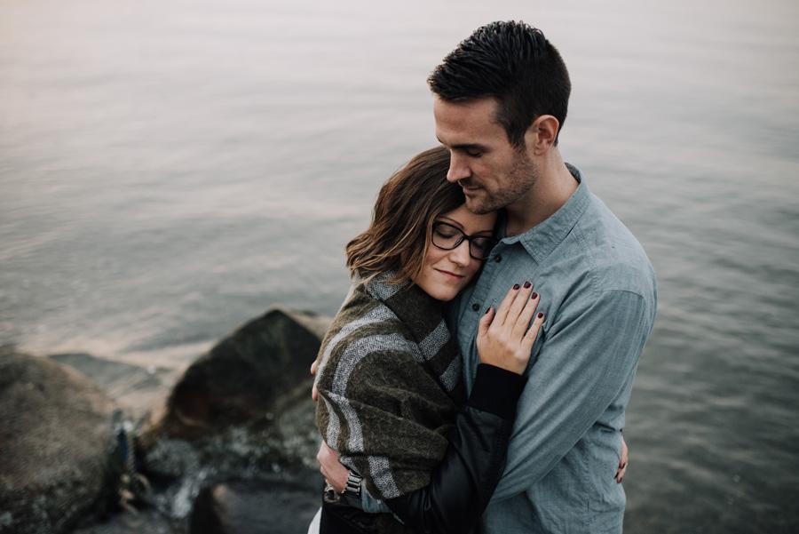 kitsilano-beach-vancouver-hug