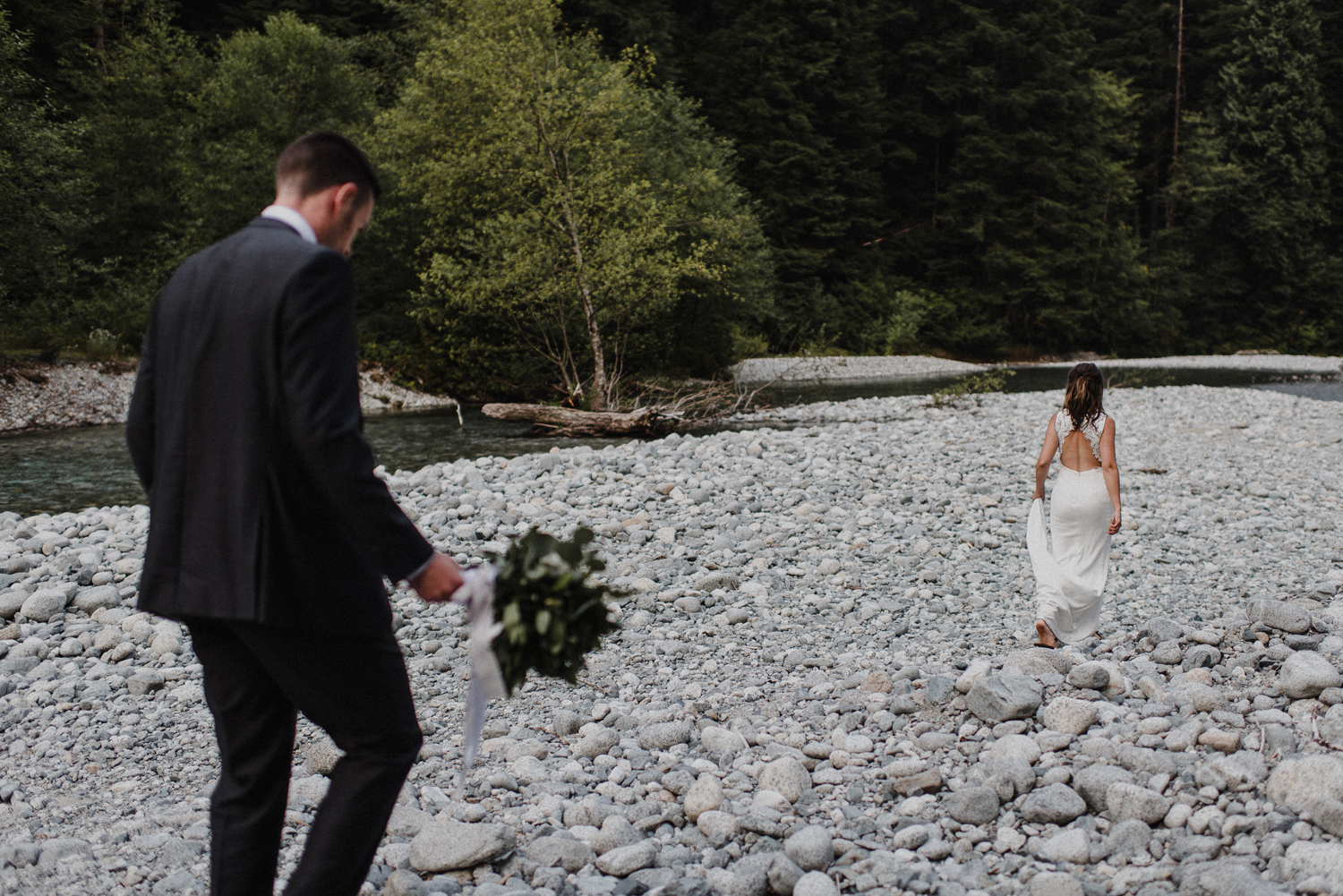 Kelowna elopement photographer